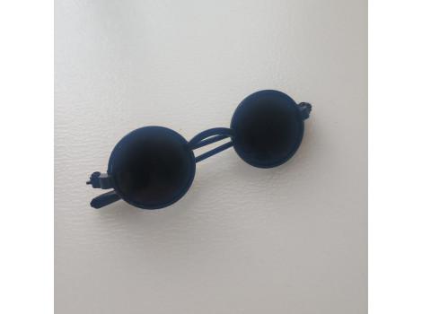 Очки для кукол 6 см с черными стеклами в черной оправе