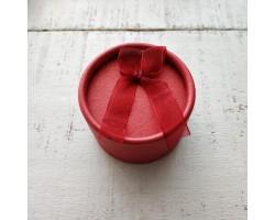 Коробочка для куклы красная