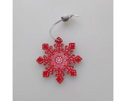 Деревянная снежинка красная