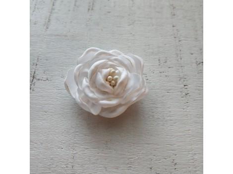 Цветочек атласная розочка 3 см белая