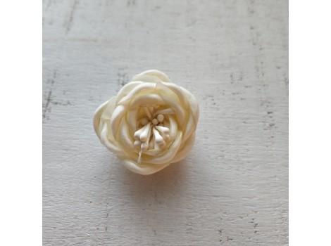 Цветочек атласная розочка 3 см молочная