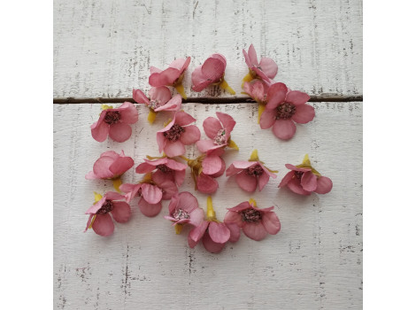Цветочек мелкий 2 см темно-розовый