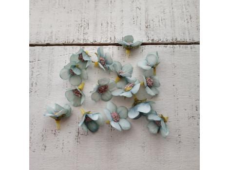 Цветочек мелкий 2 см голубой