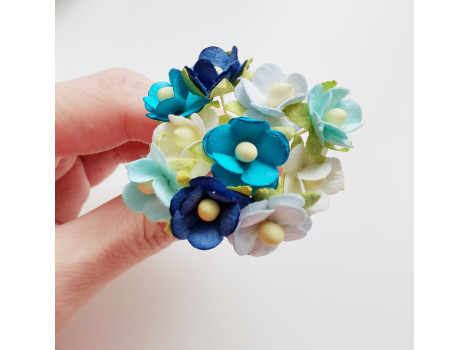 Цветочки вишни средние голубой микс 10 шт