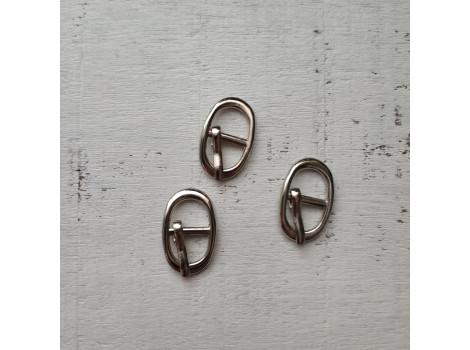 Пряжка 17*11 мм овальная серебро