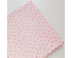 Хлопок в розовую полоску с мелкими вишенками