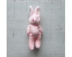 Игрушка плюшевый зайка малый розовый с белыми ушками