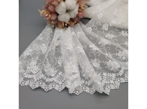 Кружево на сетке 18 см белое цветочное