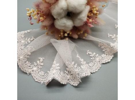 Кружево на сетке 7 см розовое цветочки