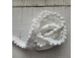 Тесьма с помпонами белая