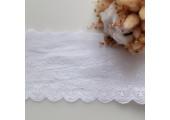 Кружево шитье с вышивкой мелкие цветочки 11.5 см снежно-белое