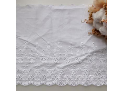 Кружево шитье с вышивкой широкое 20 см снежно-белое