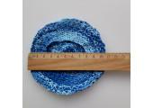 Вязаный берет для куклы цвет сине-голубой