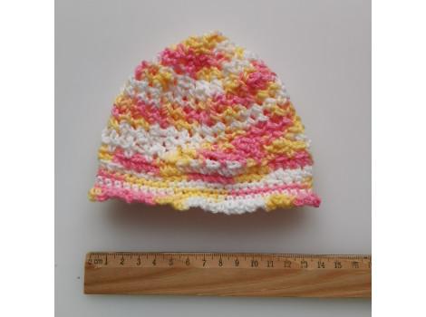 Вязаная шапочка панамка желто-розовая