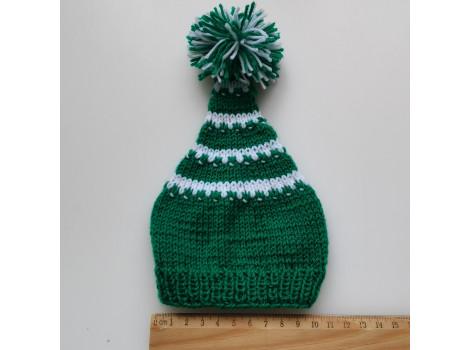 Вязаная шапочка колпак зеленый с белыми полосками и помпоном