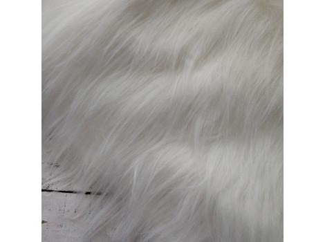 Искусственный мех с длинным ворсом 9 см белый